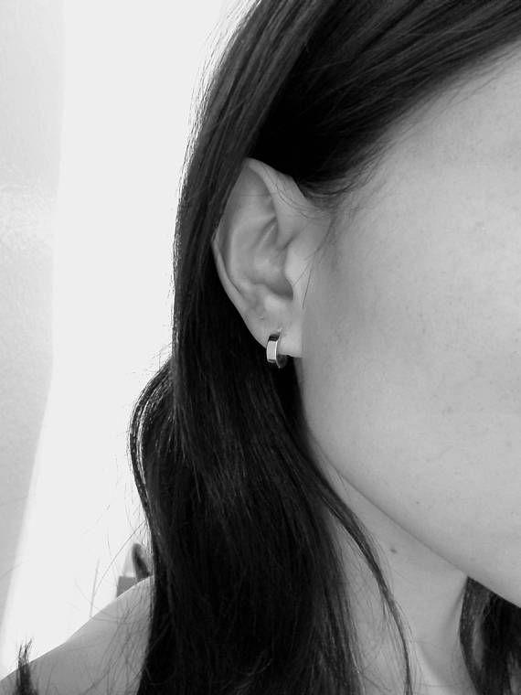 Plain Sterling Silver Huggie Hoop Earrings: Small (1.2cm) OSV9J