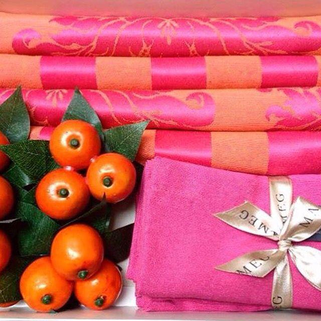 Sexta sempre um #presente !!!#gift #giftideas #giftnuestra #jogoamericano #pg #tableware #tablelovers #tablestyling #mimos #vestiramesa #mimesa #sumesa #nuestramesa