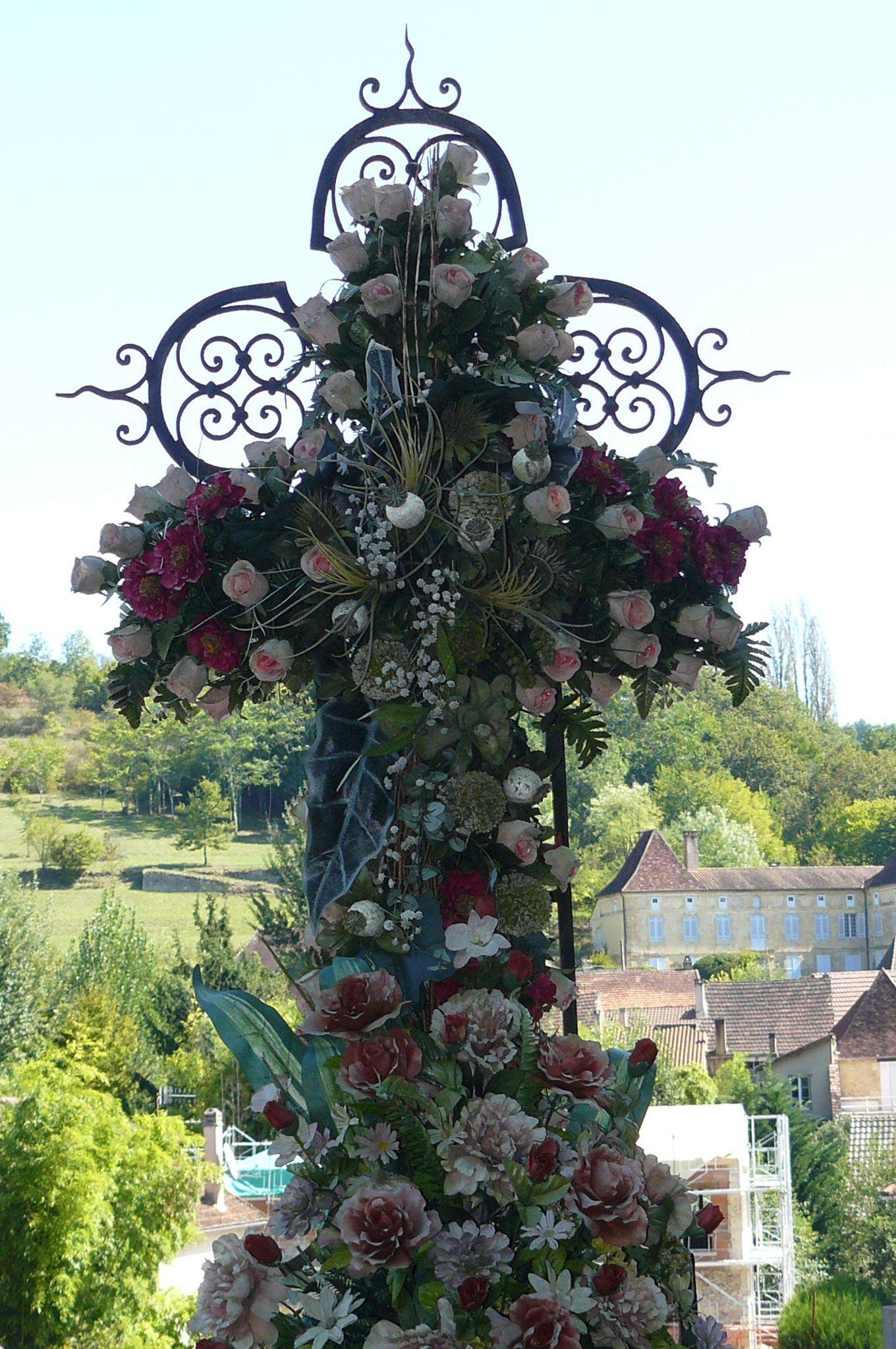 Roses on cross