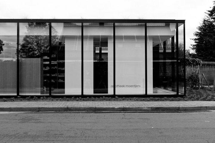 Apotheek by CAAN Architects Sint Martens Latem 08