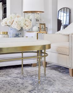 5 Tips For A Successful Living Room Makeover by Decor Gold Designs Yatak odası