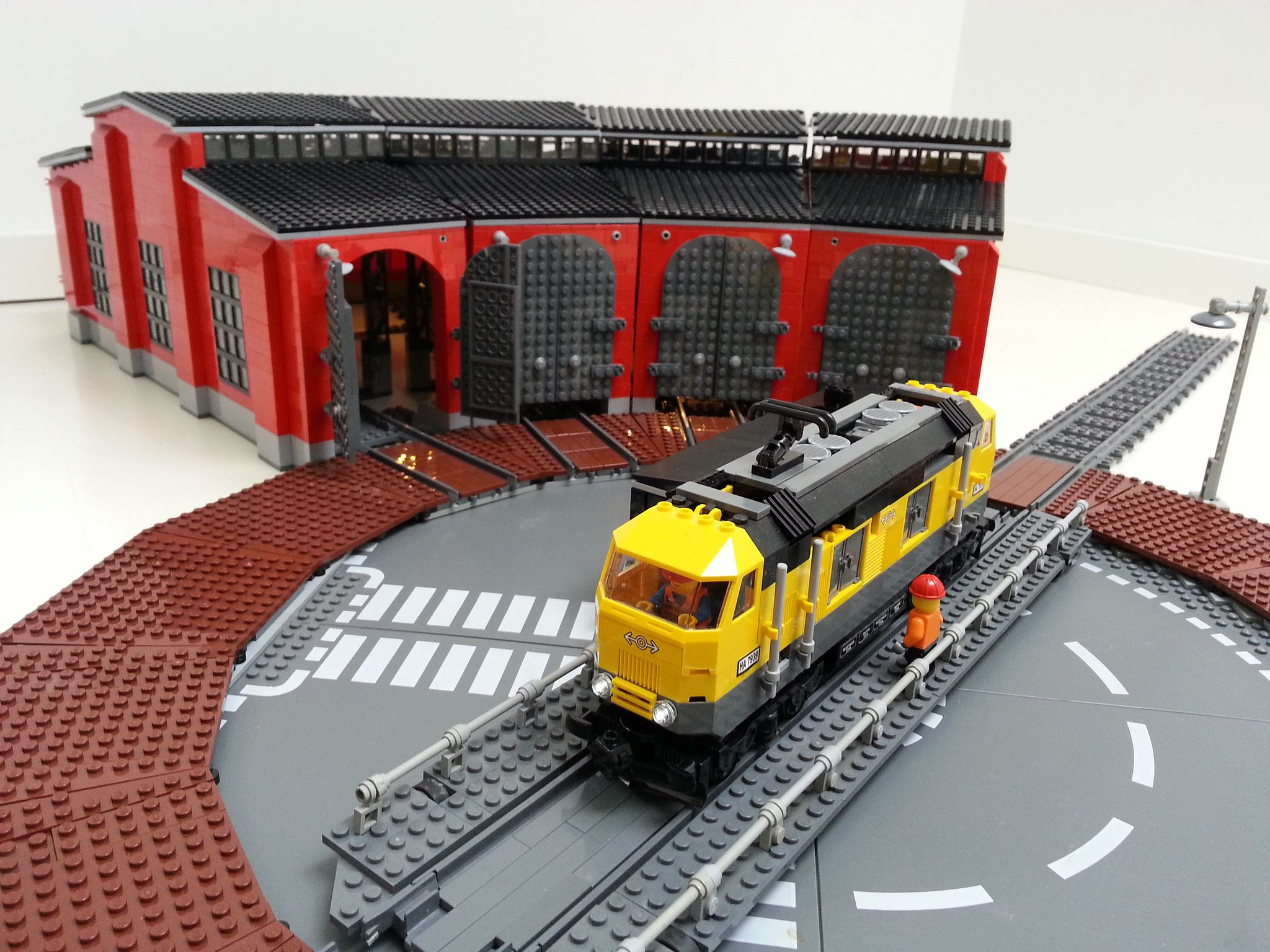 LEGO Turntable | Lego, Lego trains and Legos