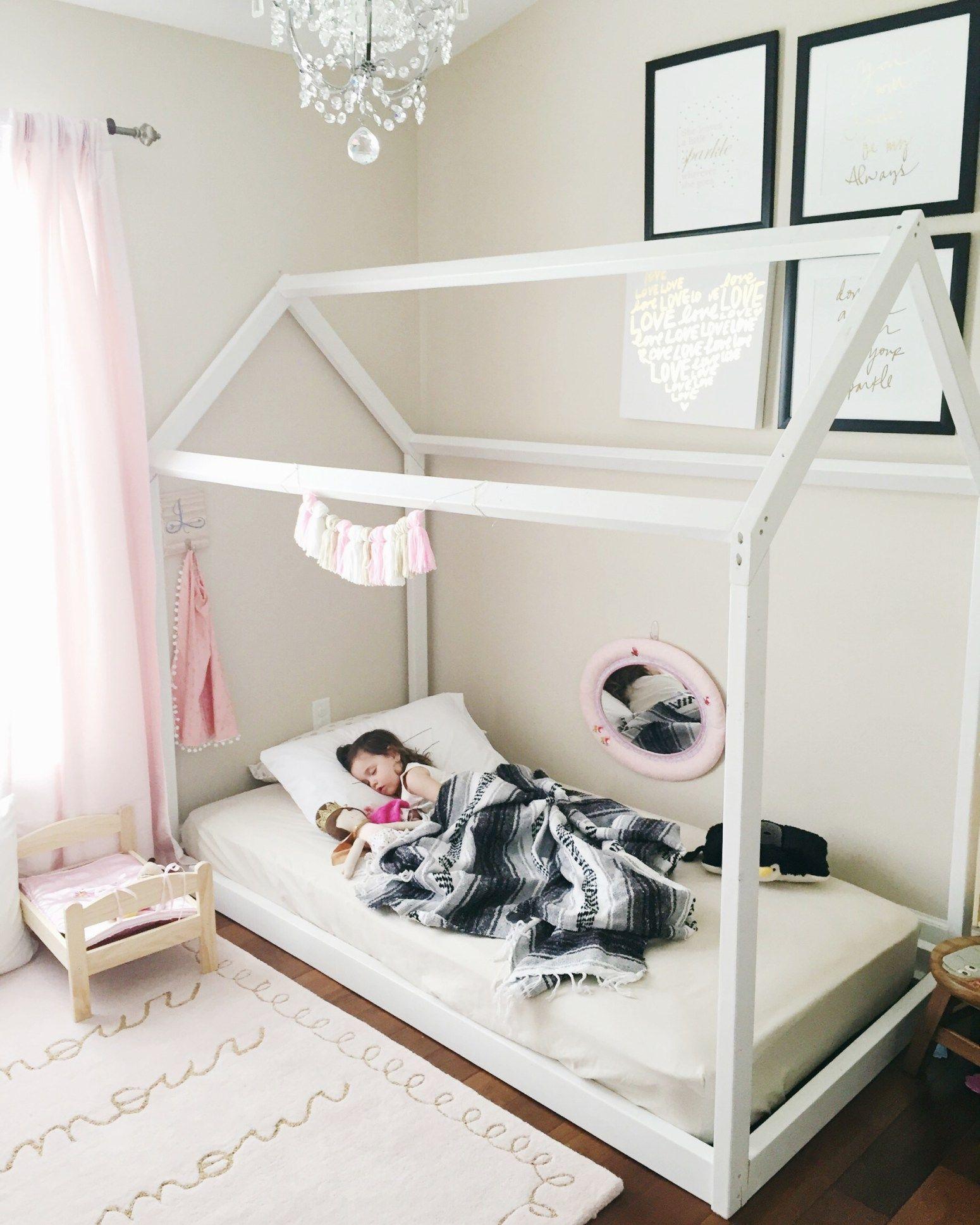 Diy House Frame Floor Bed Plan Met Afbeeldingen Kinderkamer Bed Montessori