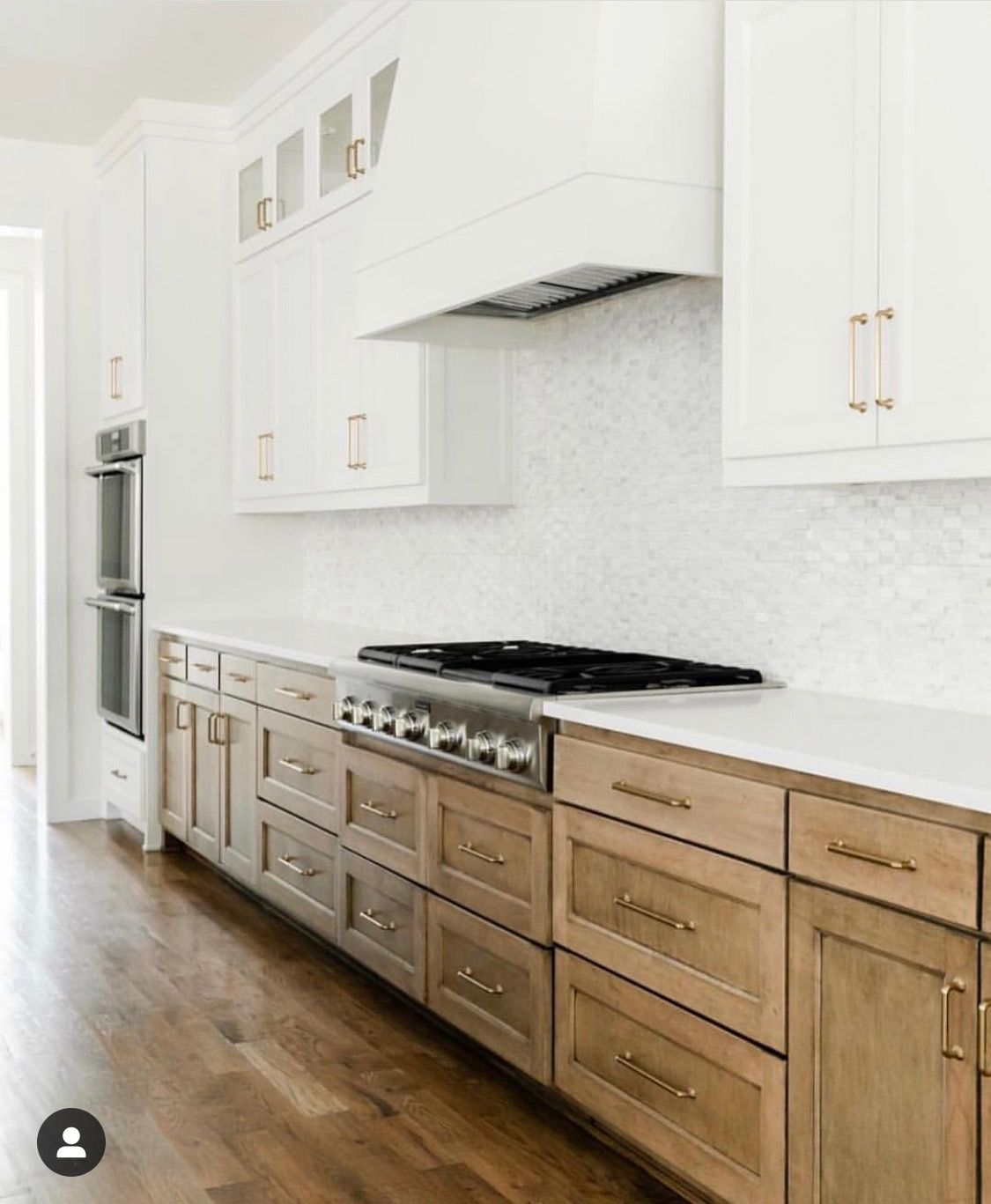 Base Cabinet Works With White Uppers Backsplash Should Have A Punch Of Gold To Tie It All Together Kitchen Design Home Remodeling Kitchen Renovation