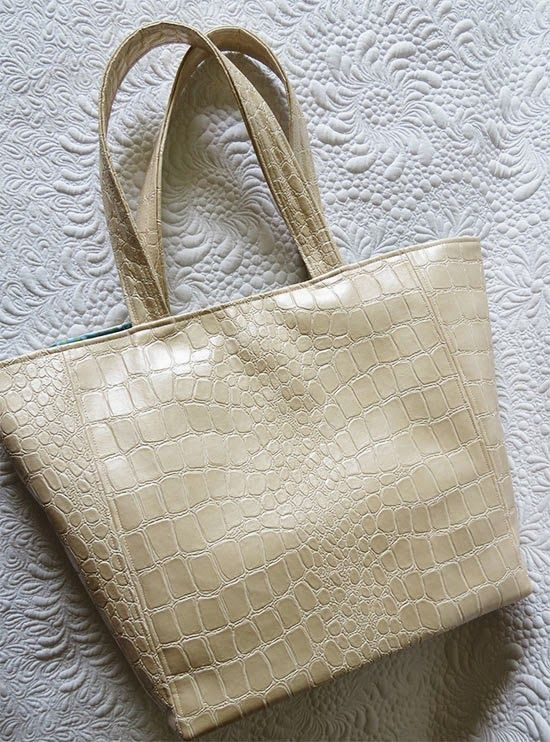 Simply Chic Tote Bag Pattern | Patrones