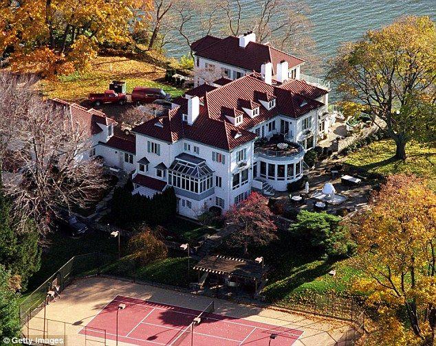 NFL legend Frank Gifford leaves majority of $10M estate to ...