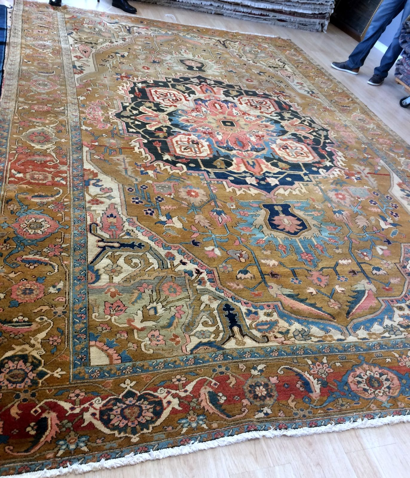 Handmade Antique Persian Serapi Rug 10 X 15 304cm X 457cm 1880s 1f55 With Images Living Room Rug Placement Room Rugs Rugs In Living Room