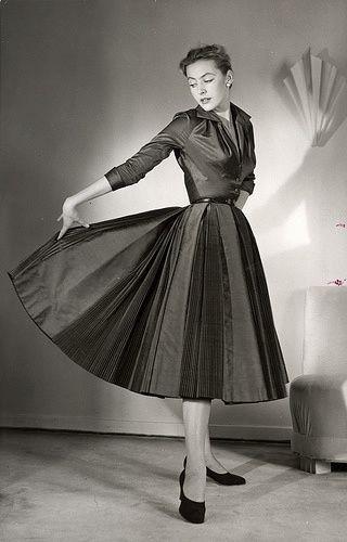 1930 fashion women dresses - Google Search | Beautiful ...