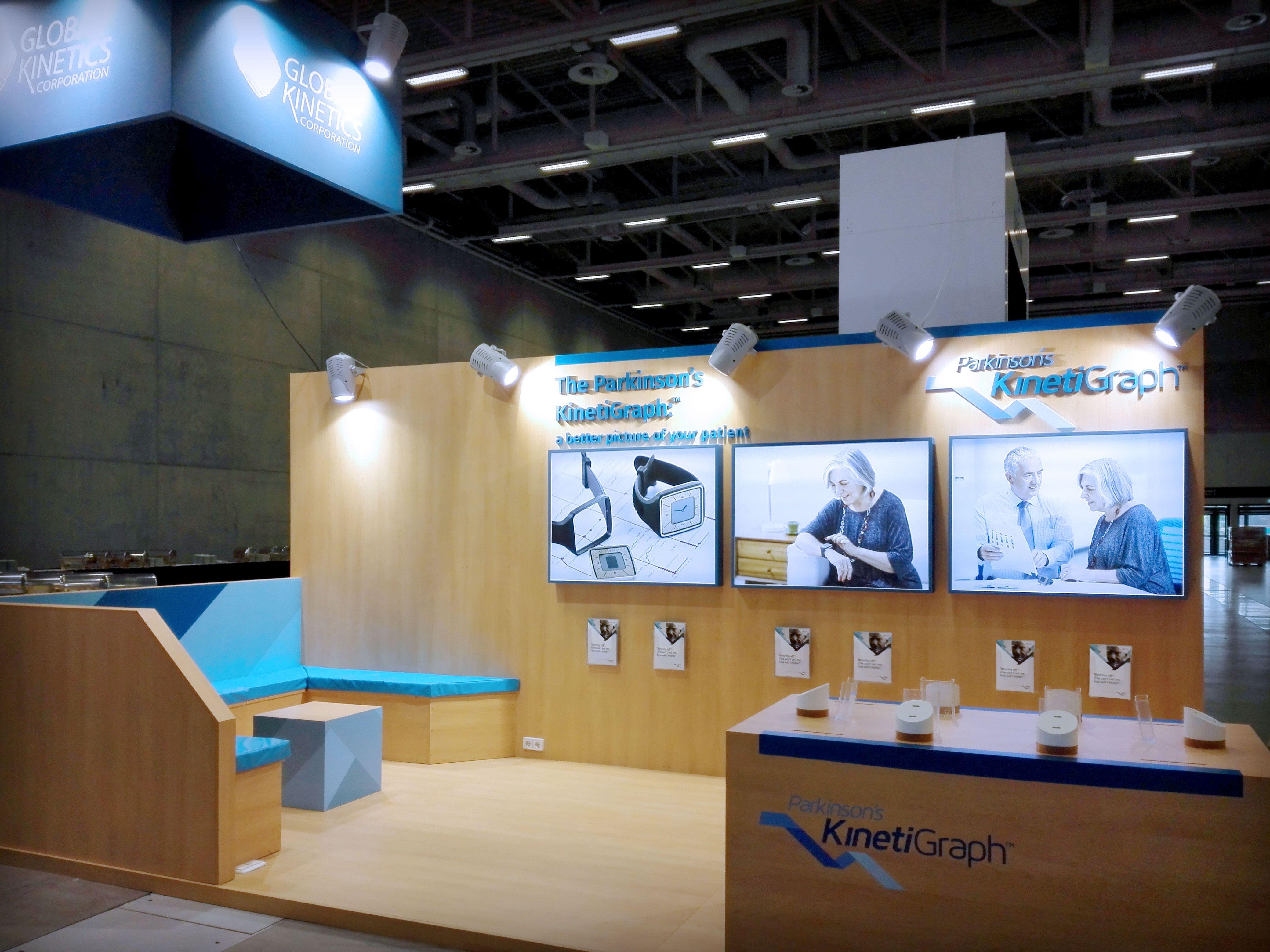 Fotos del stand construido para Global Kinetics diseñado por Büro North para el Congreso MDS de Berlín
