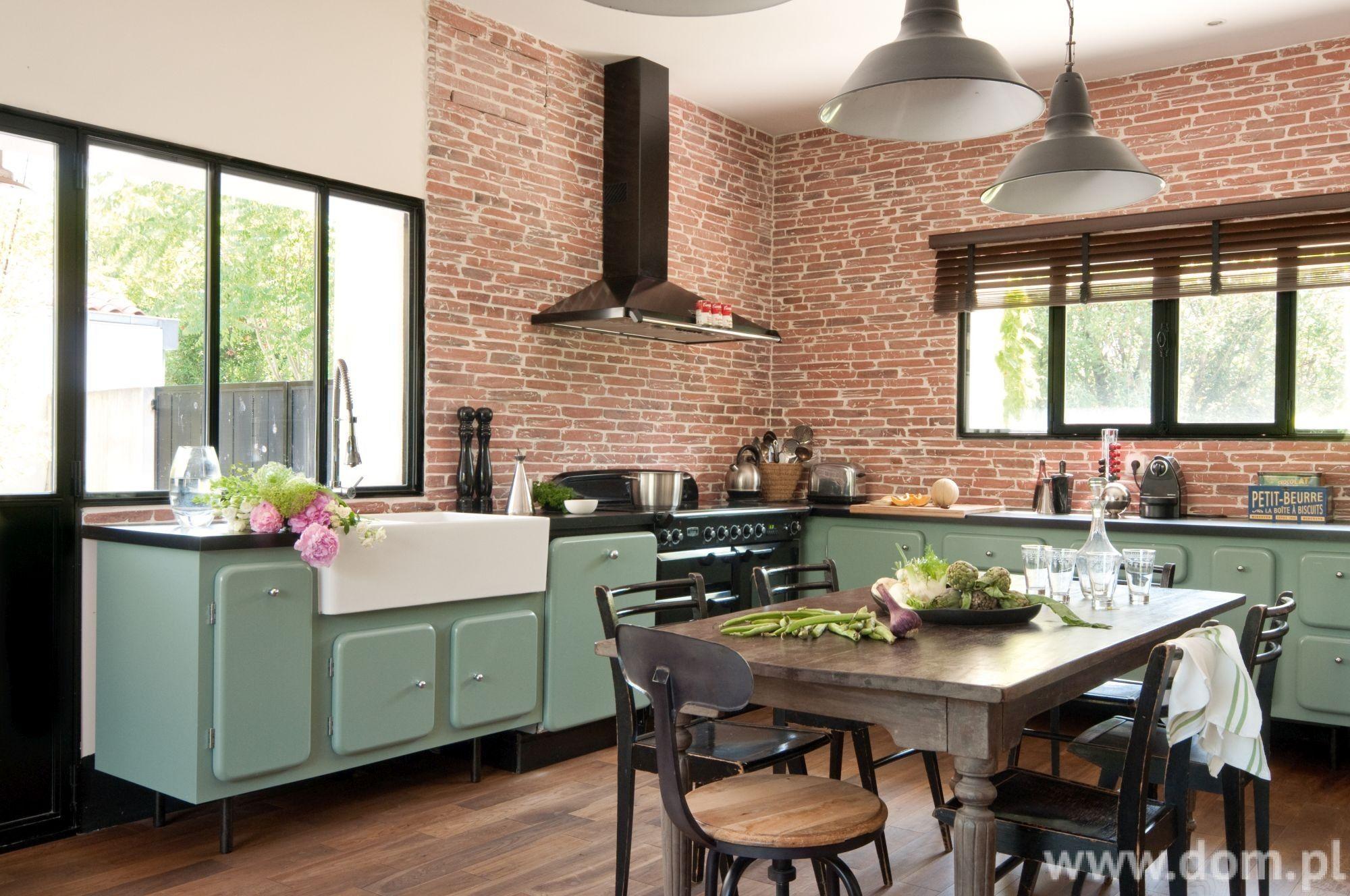 Kuchnia W Lofcie Pomysl Na Urzadzenie Kuchni W Loftowym Stylu Brick Kitchen Kitchen Retro