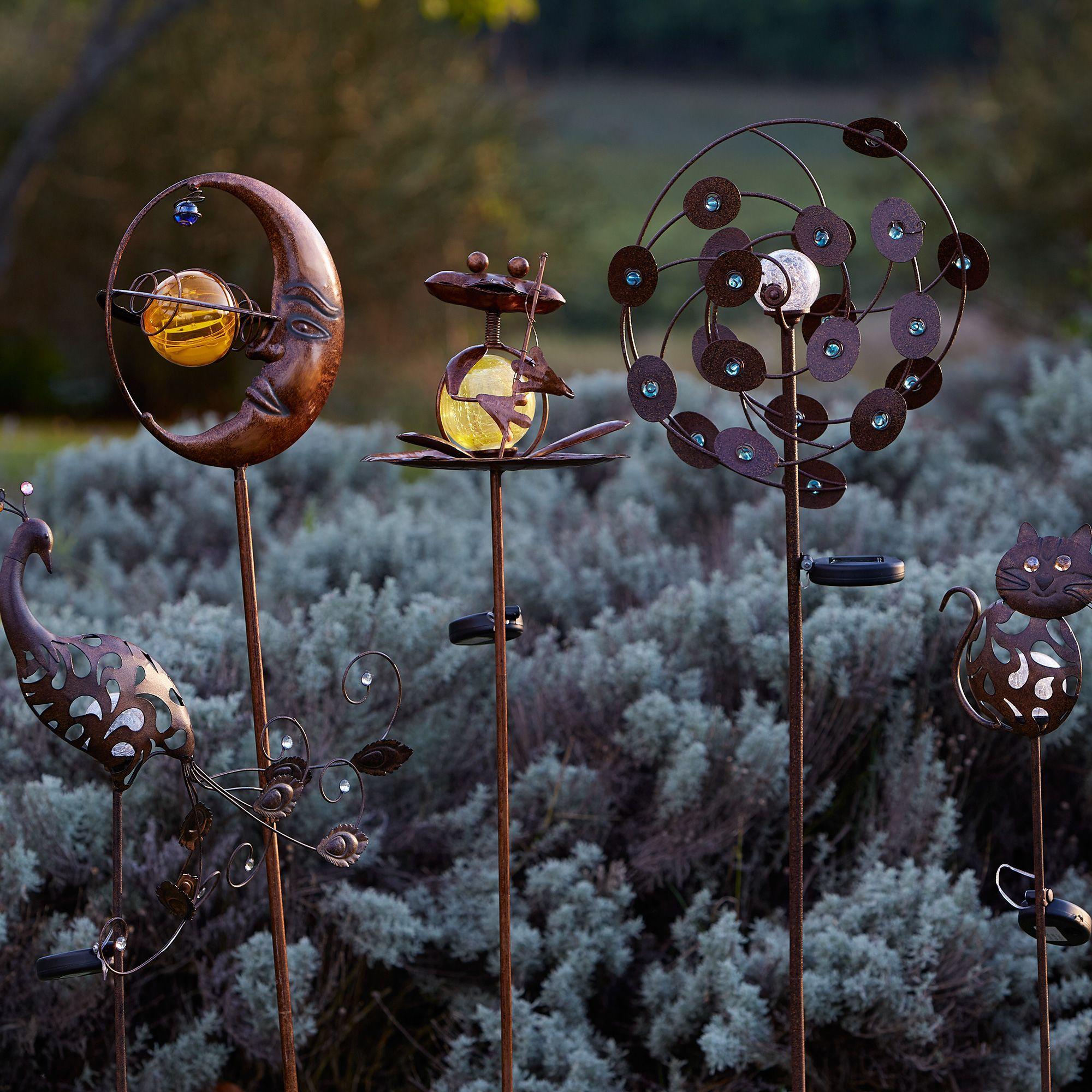 Pic solaire h100cm effet rouille paon eclairage for Luminaire solaire jardin