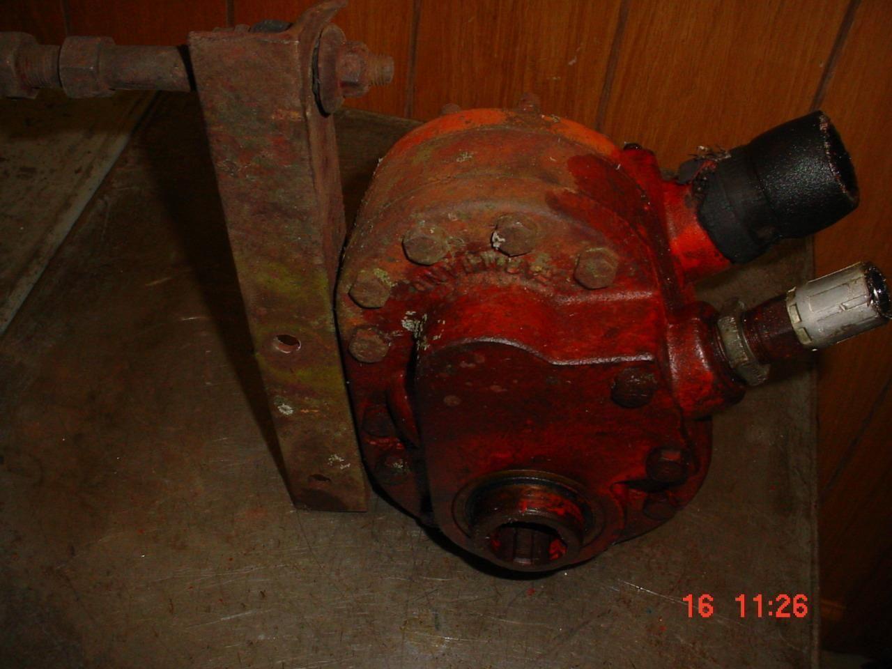 hight resolution of 77 88 oliver tractor farmhand pto hydraulic pump jd a b ihc m sm mta ebay