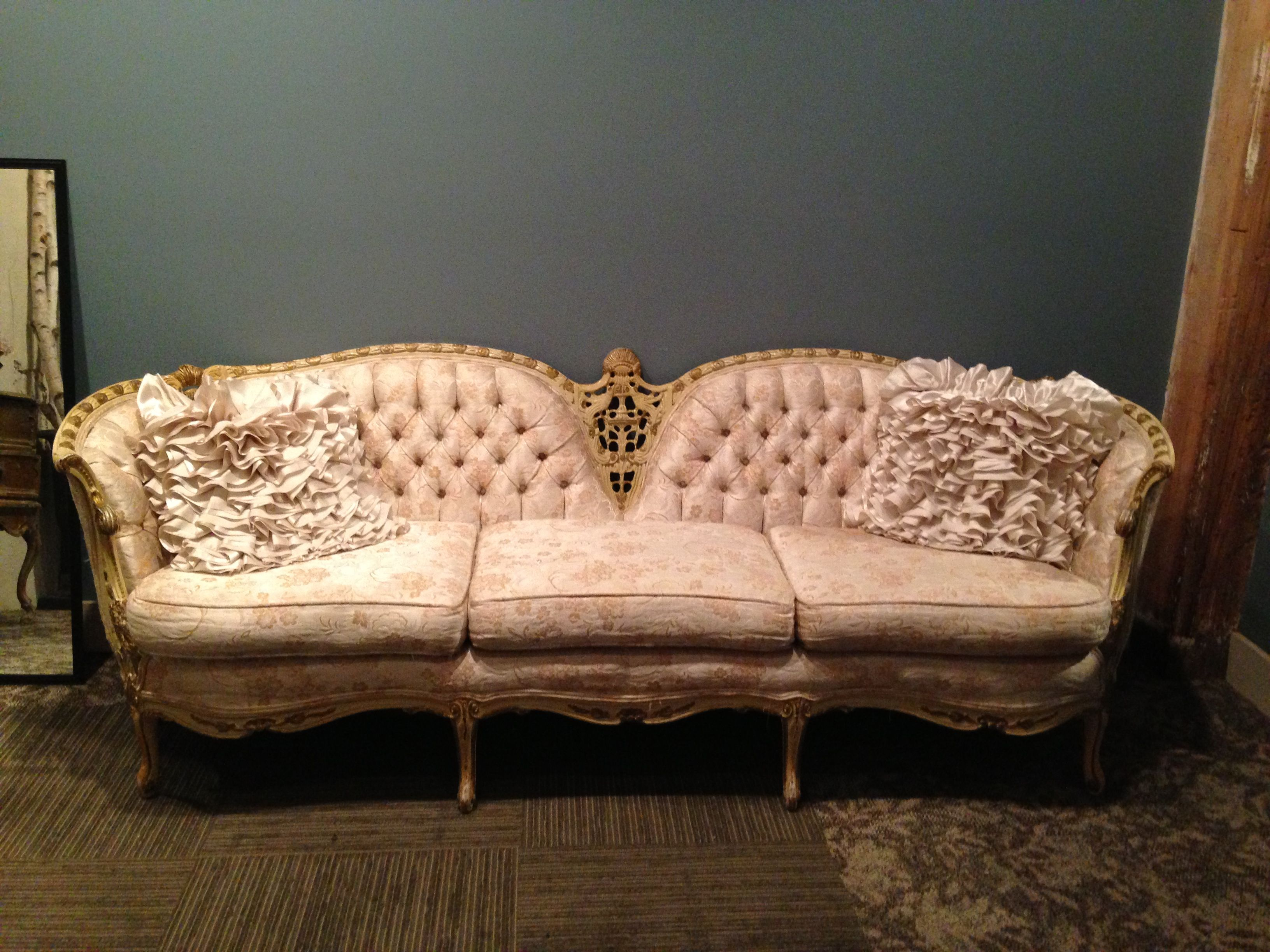 8 Foot Victorian Sofa In Cream And Blush We Also Have A Matching