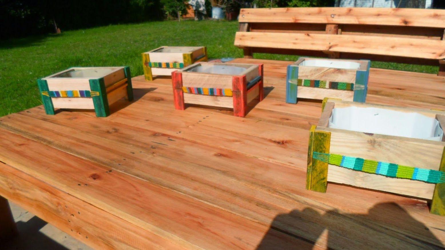 Macetas artesanales en madera de pallet y telar - Maceteros de madera ...