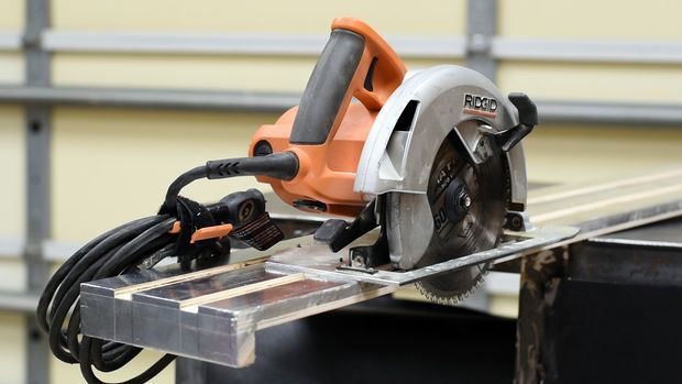 How To Make A Track Saw Guide For A Circular Saw Circular Saw Best Circular Saw Diy Workshop