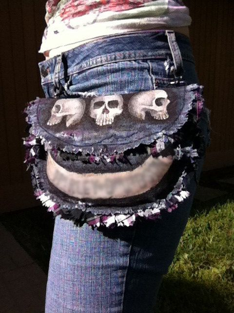 3 Skull 1 Bone Denim Hip Bag/Pouch Clip On por ModModDesignsOnEtsy