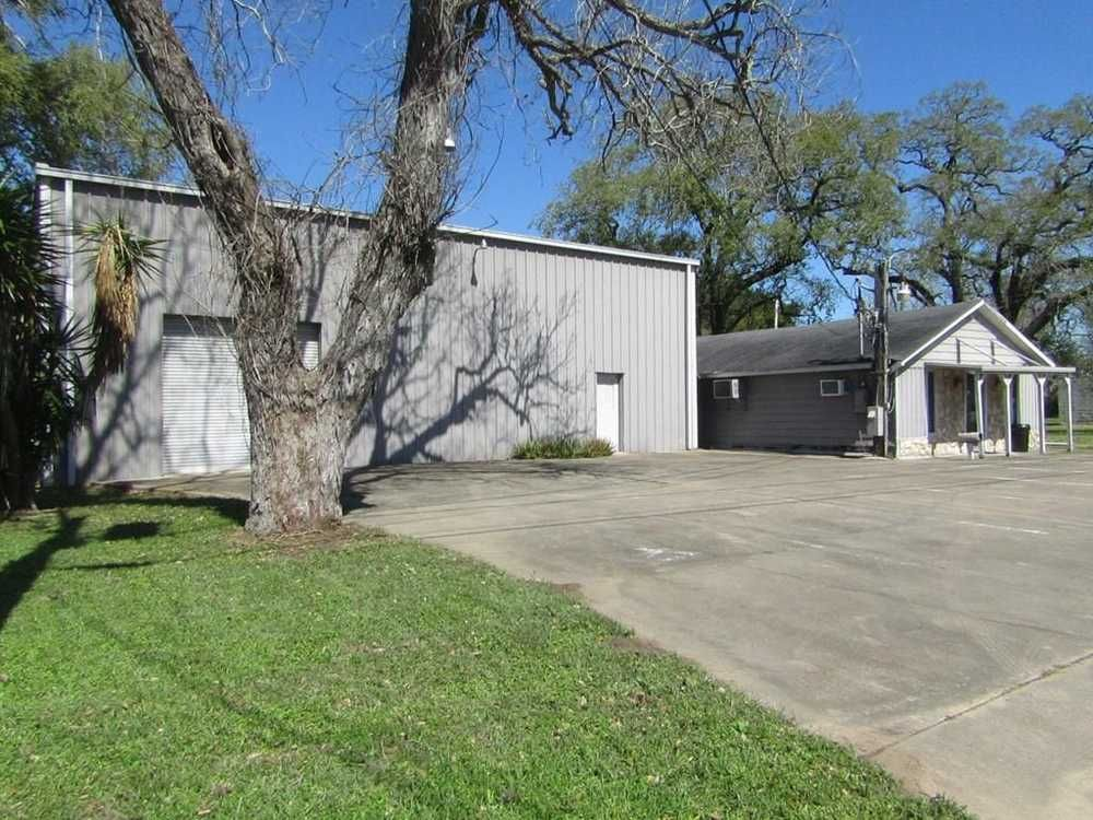 For Sale In Clute Commercial Property Office Space Real Estate