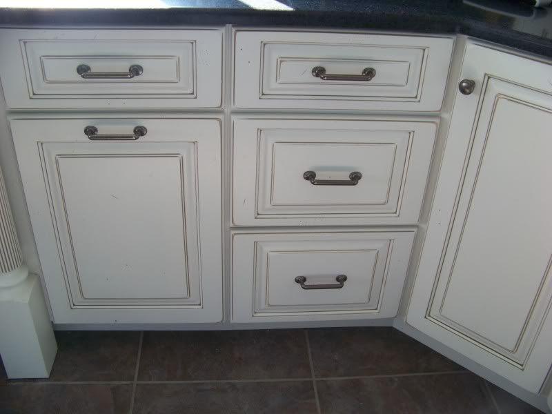 White W Pewter Glaze Glazed Kitchen Cabinets White Glazed