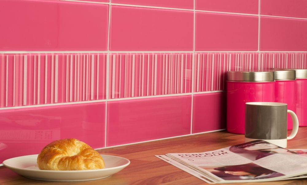 Pink Kitchen Walls hot pink 10x30 with stripe decors2 (1000×605) | bathrooms