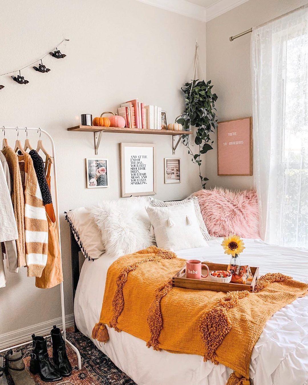 Mitzi Hudson Valley Lighting On Instagram Cozy Autumn Vibes Inspo From Astoldbymichelle Dorm Room Decor Dorm Room Inspiration Dorm Room Designs