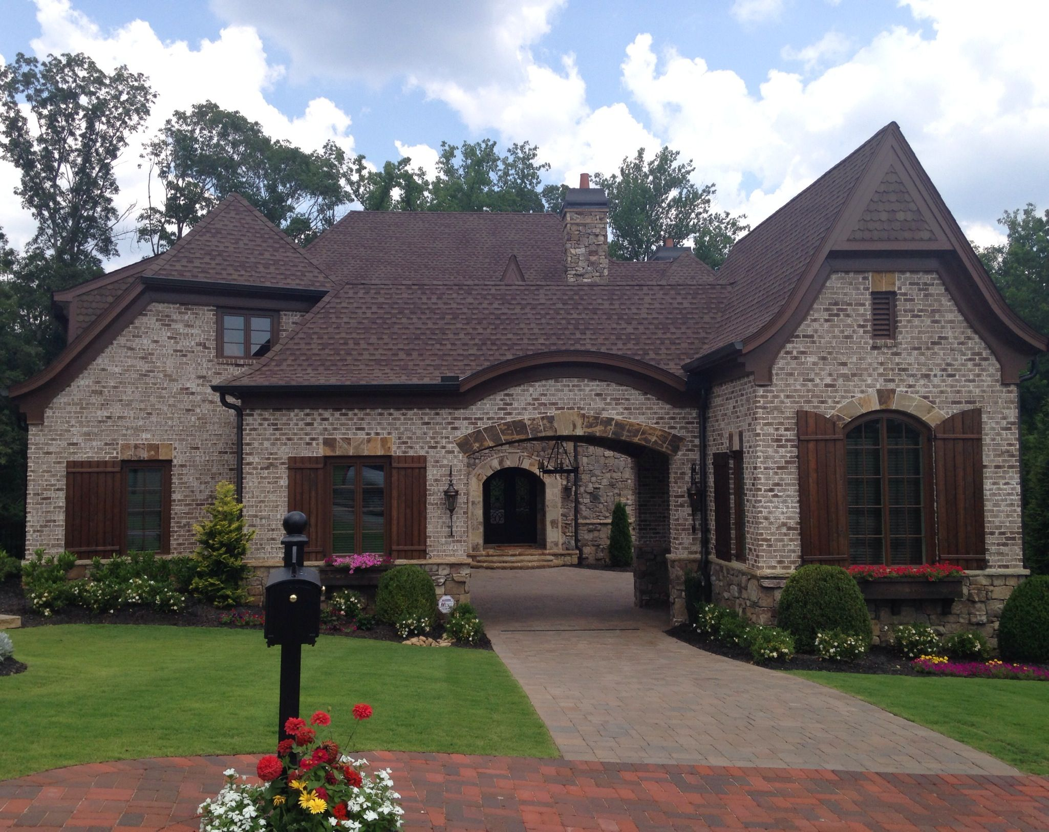 Brick stone chase mortar ivory columbus brick - Houses with stone and brick on exterior ...