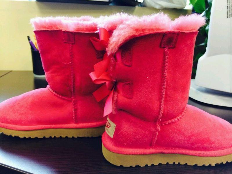 04fd0fd6541 Uggs little girl size 11!! | Fashion | Ugg boots, Fashion, Uggs