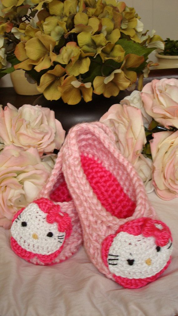 Hello Kitty Slippers Crochet And Knitting Ok Mostly Crocheting