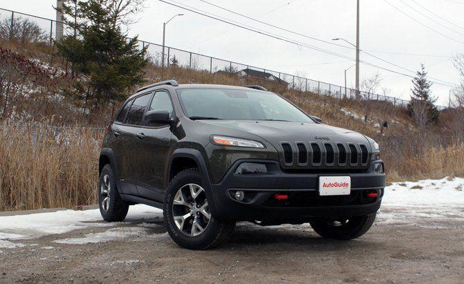 2016 Jeep Cherokee Trailhawk Review Autoguide Com News Jeep Cherokee Trailhawk Jeep Cherokee 2016 Jeep Cherokee Trailhawk