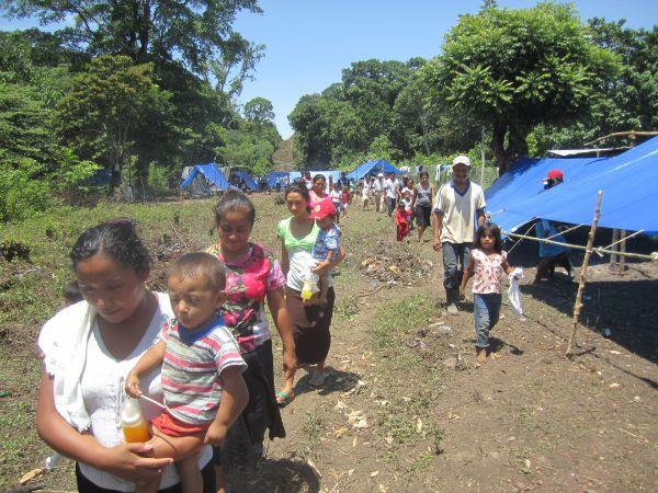 Crímenes y desolación en La Tierra Caliente - http://notimundo.com.mx/acapulco/crimenes-y-desolacion-en-la-tierra-caliente-7218