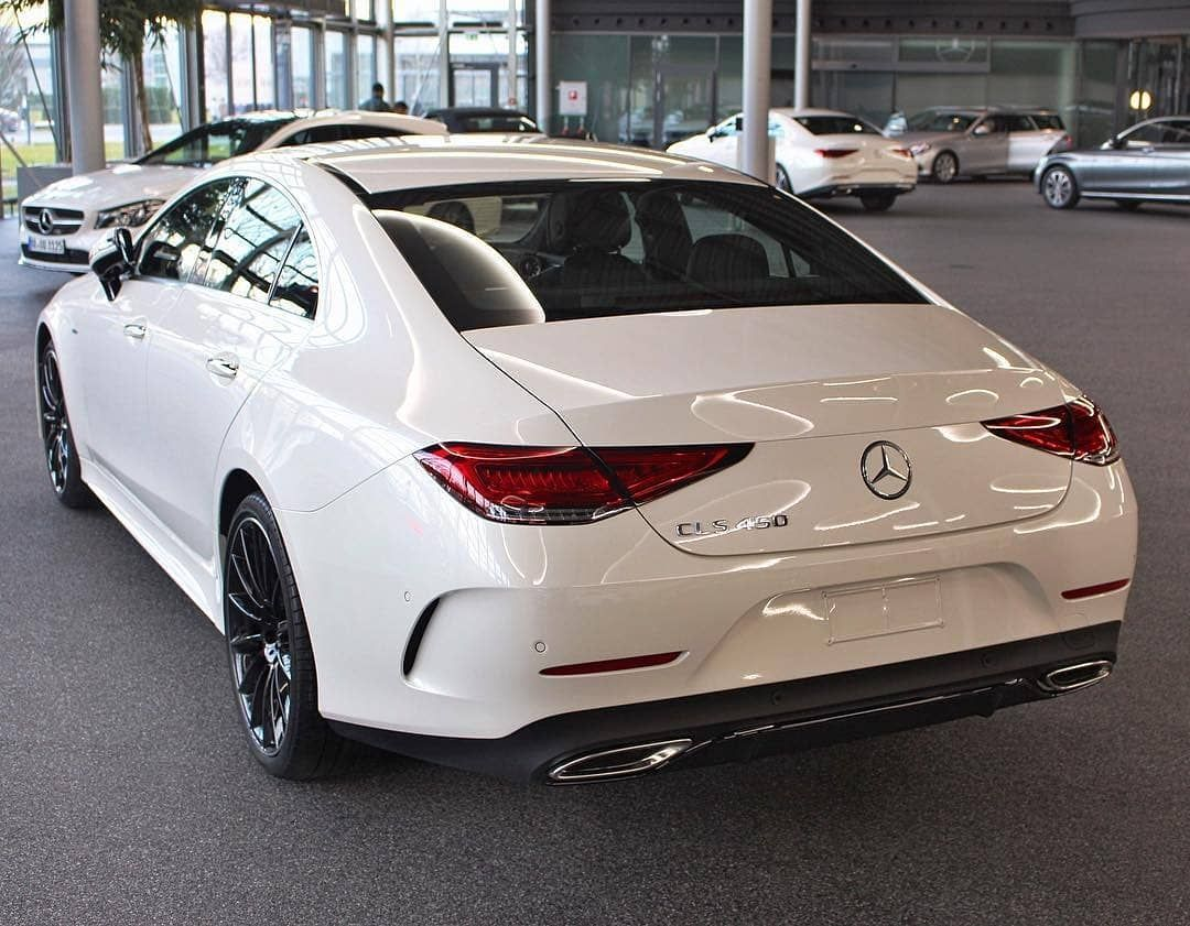Mercedes Cls63 Amg By Vorsteiner With Images Mercedes Benz