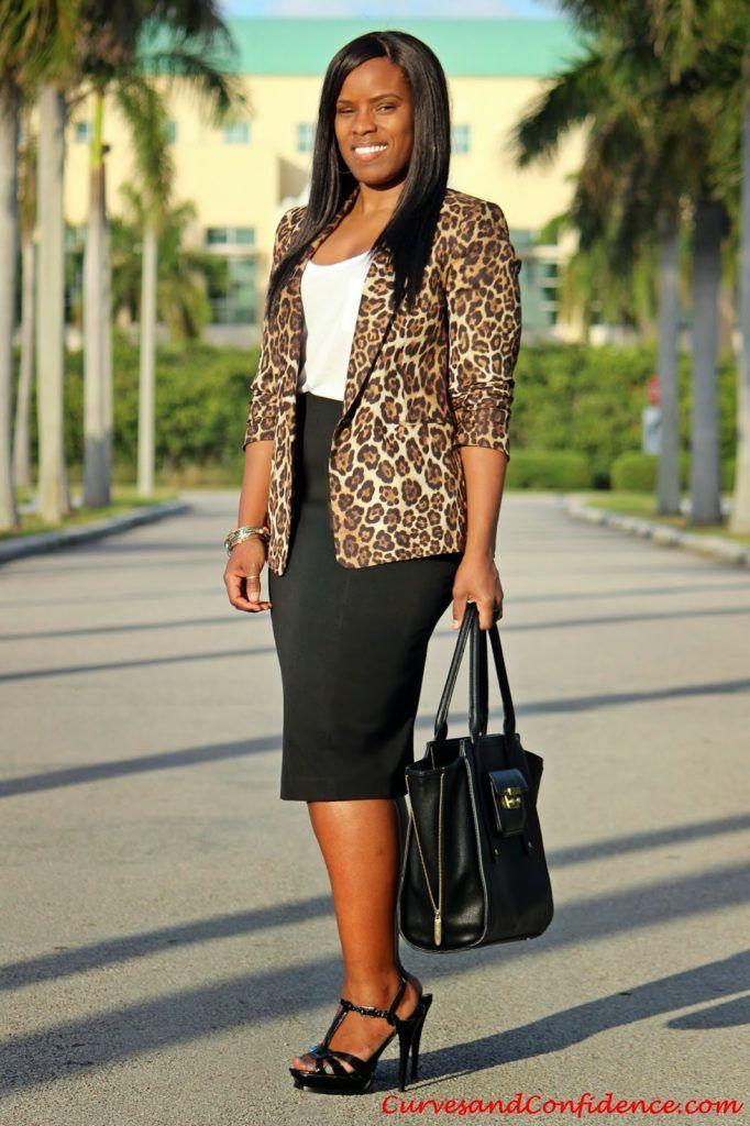 f52740f1f564 Dress – H&M   Pumps – c/o Zappos   Purse – Ralph Lauren   Necklace – F21      Blazer – Zara   T Shirt – Old Navy   Skirt – Express   Sandals – Just Fab  ...