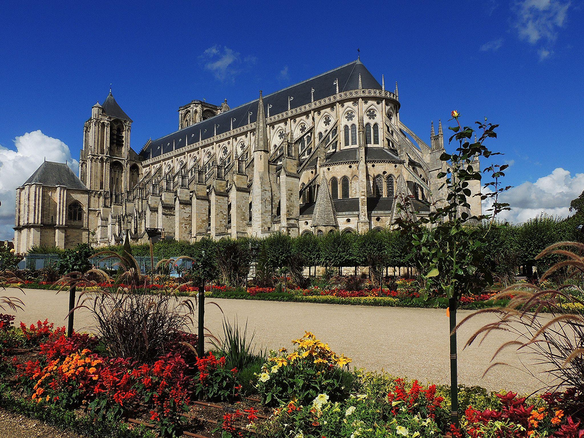 Catedral De Saint Etienne Catedral Siglo Xii Estilo Curvilineo