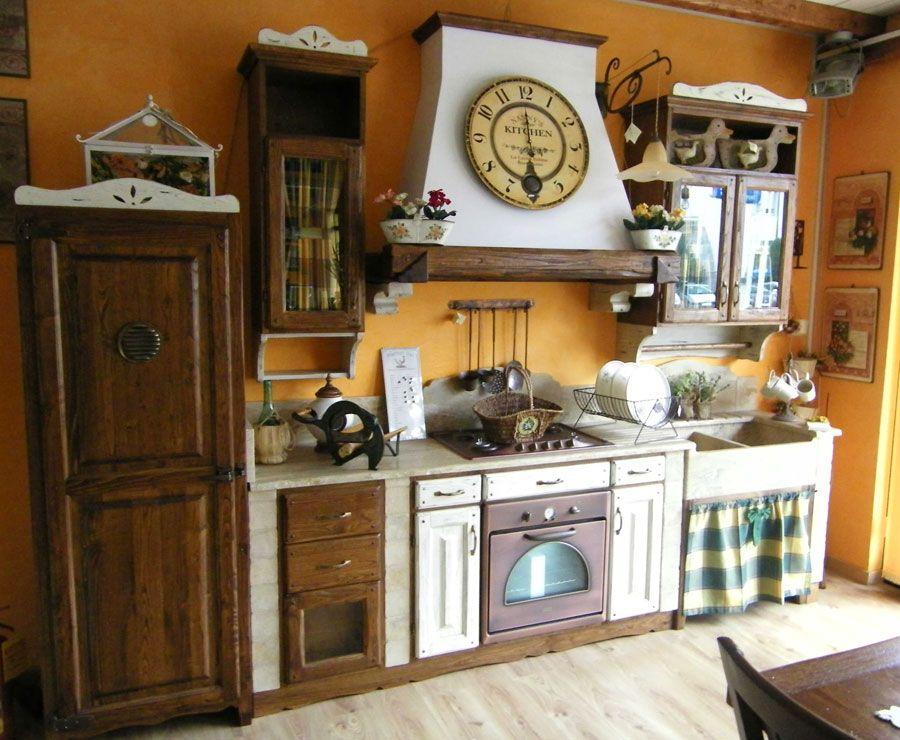 30 cucine in muratura rustiche dal design classico for Immagini di case rustiche