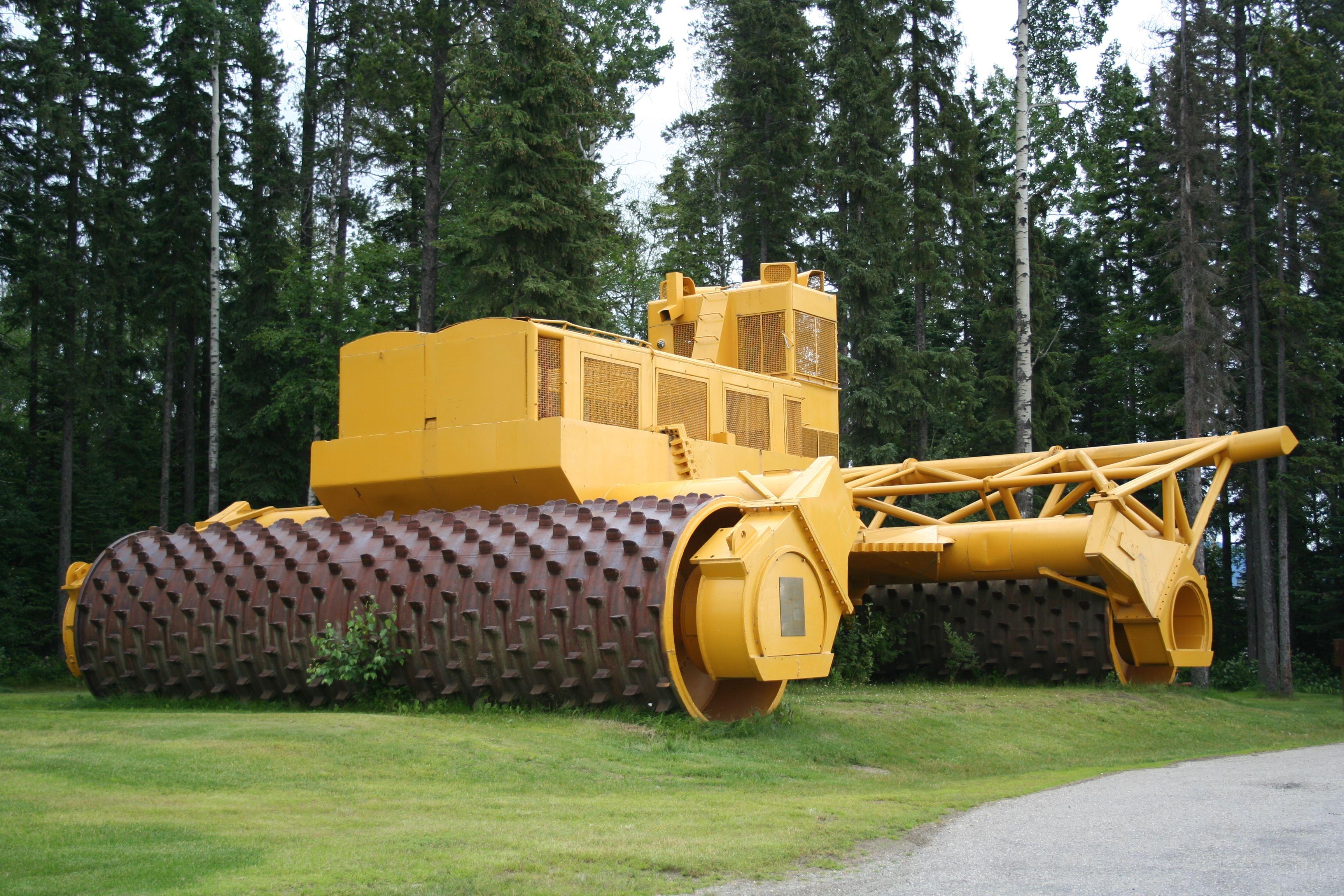 World S Largest Tree Crusher Heavy Equipment Heavy Machinery
