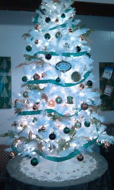 Irish Christmas Tree Decoration Irish Christmas Christmas In Ireland Christmas