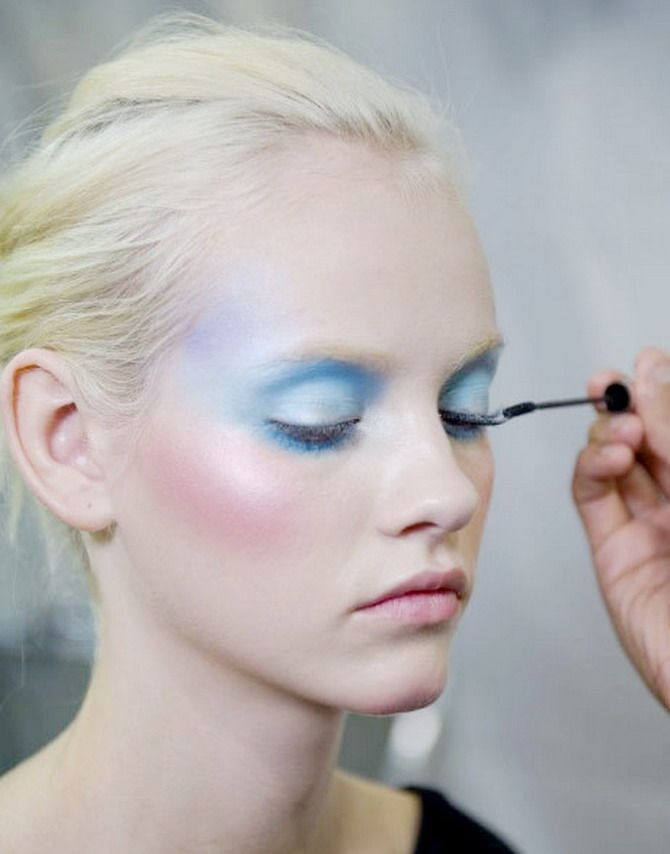 light makeup that works for pasty pale folks like me ;)