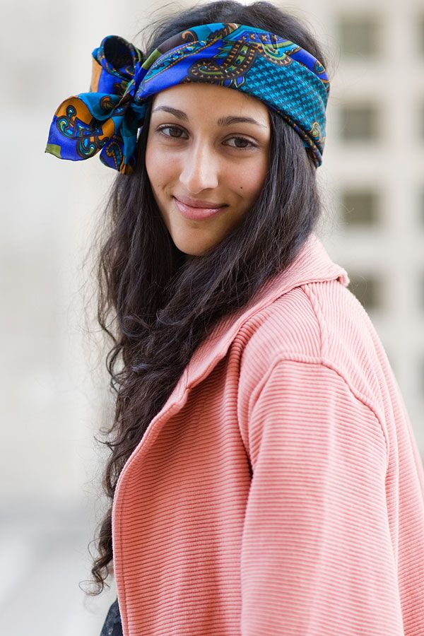 cute scarf idea.