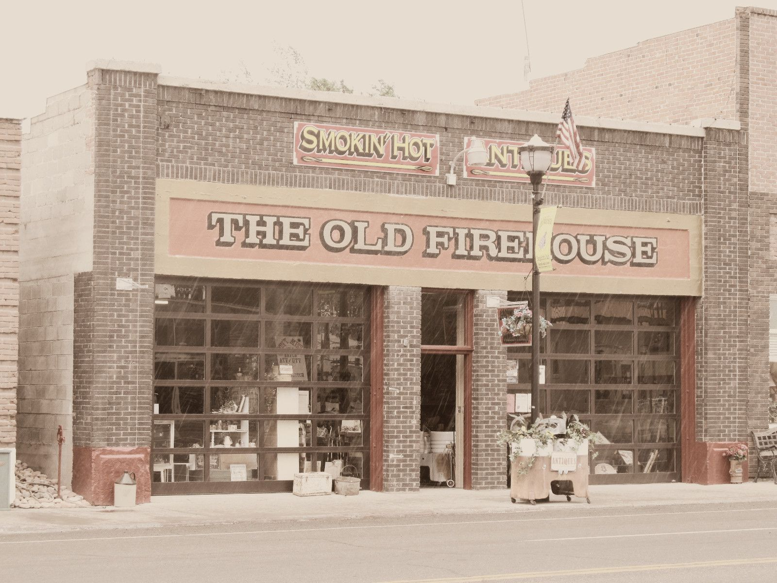 The Old Fire House...home to Smokin Hot Antiques gift shop ...