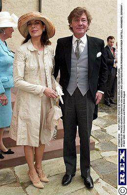 Pin Von Zsofia Marti Auf Princess Caroline Ceremony Style Prinzessin Caroline Ernst August Von Hannover Ernst August