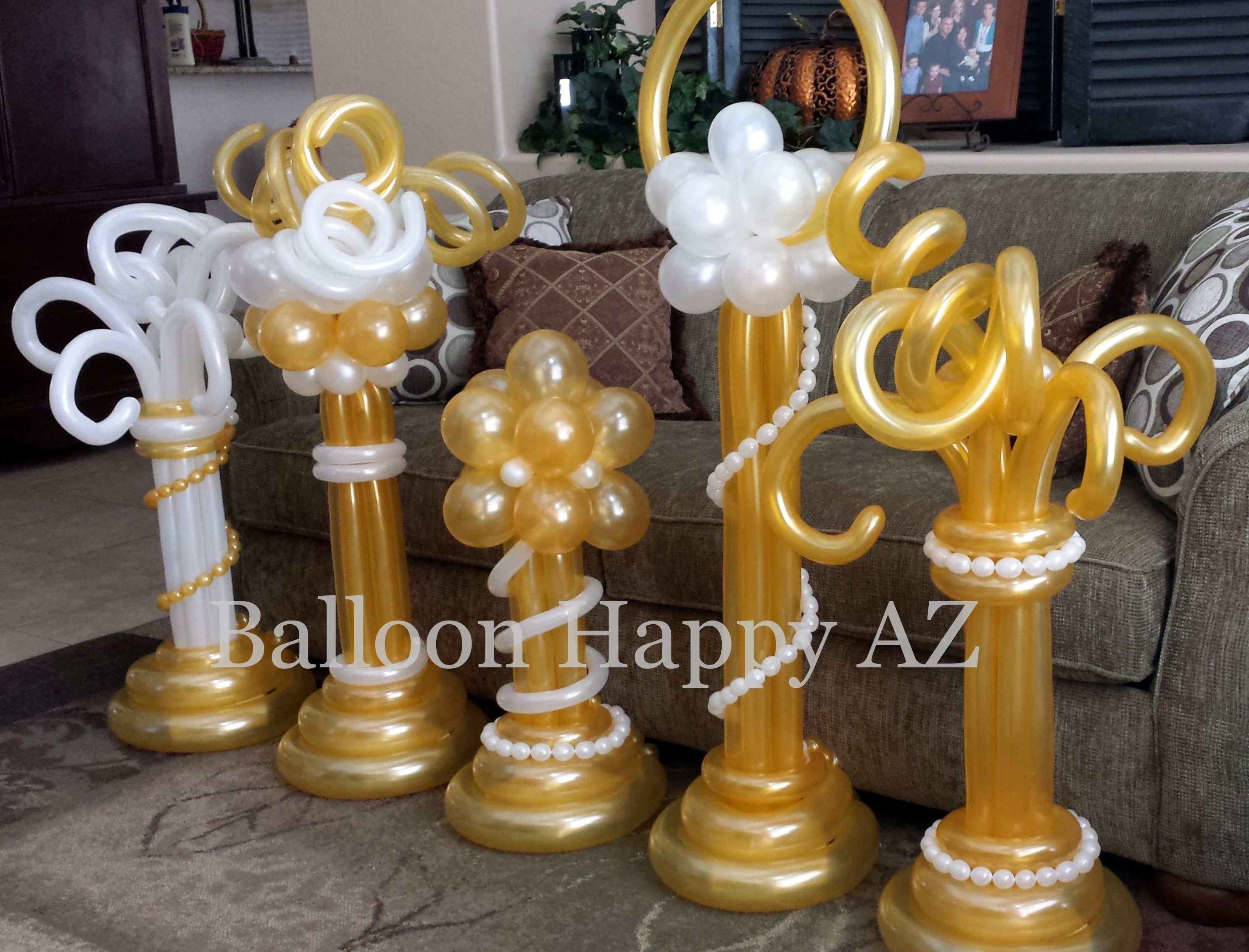 Elegant White Gold Tabletop Decorations Balloon Columns