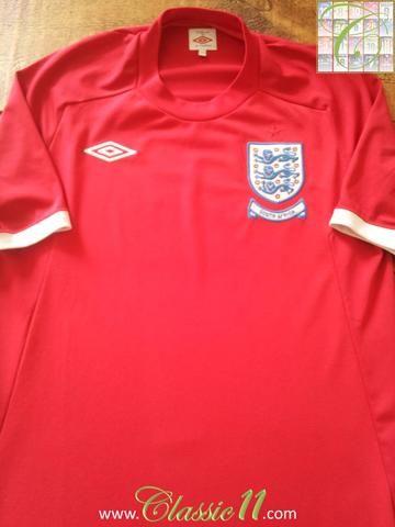 Relive England S 2010 World Cup With This Original Umbro England Away Football Shirt Futbol