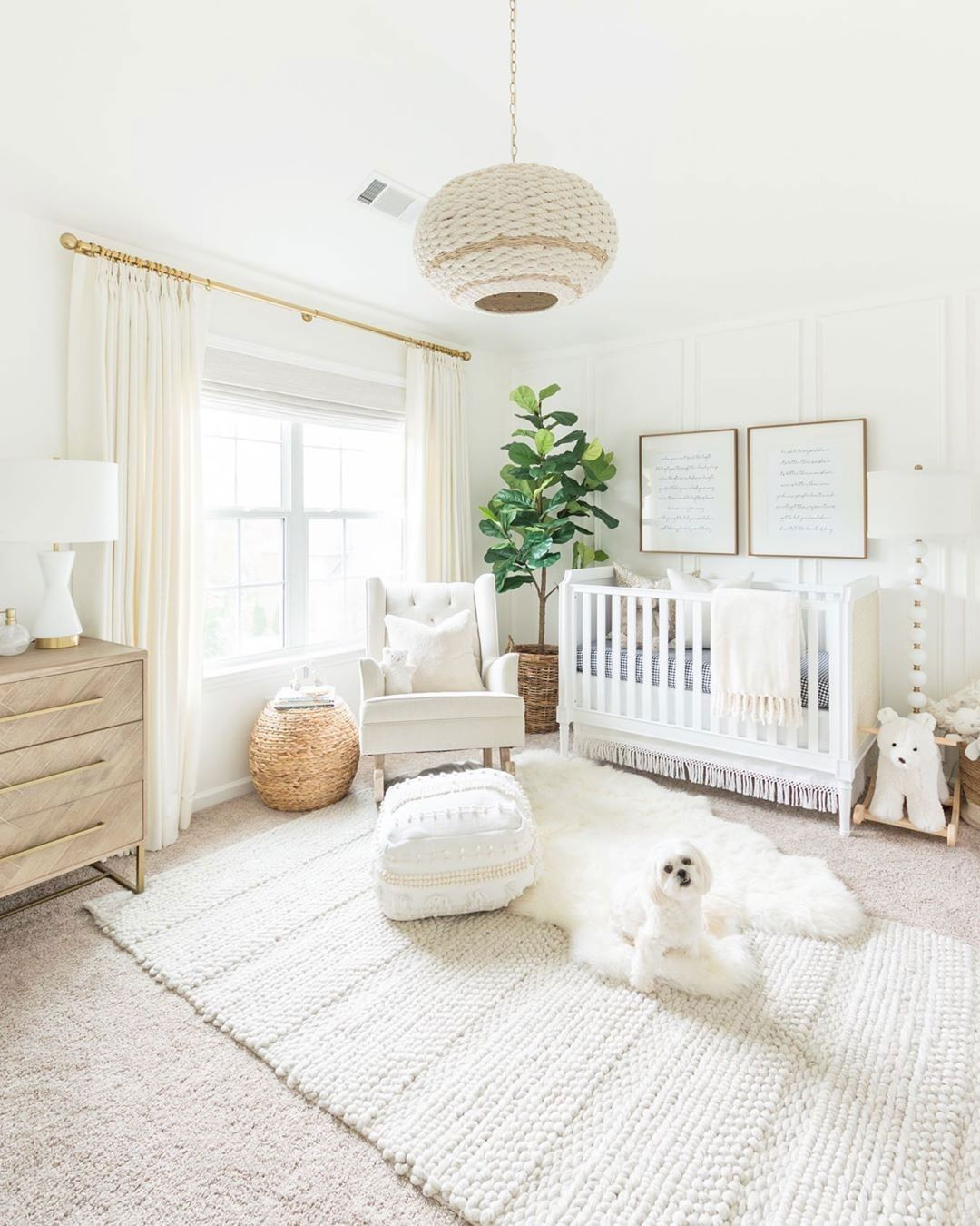 How To Bring A Natural Vibe To The Nursery Idee Deco Chambre Bebe Fille Decoration Chambre Bebe Deco Chambre Bebe