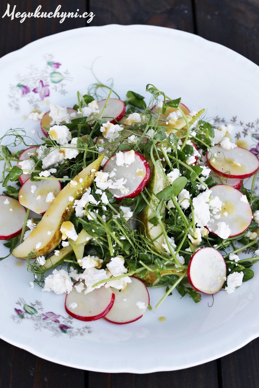 Jarní salát z hráškových výhonků | Spring pea shoots salad