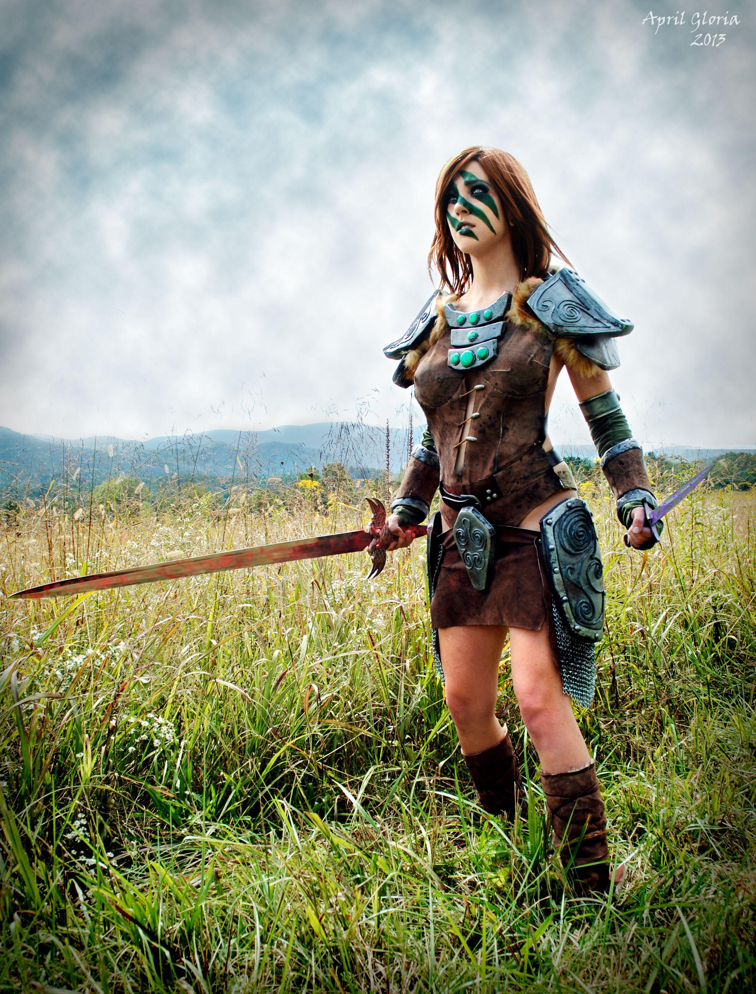 A fierce and beautiful aela the huntress cosplay