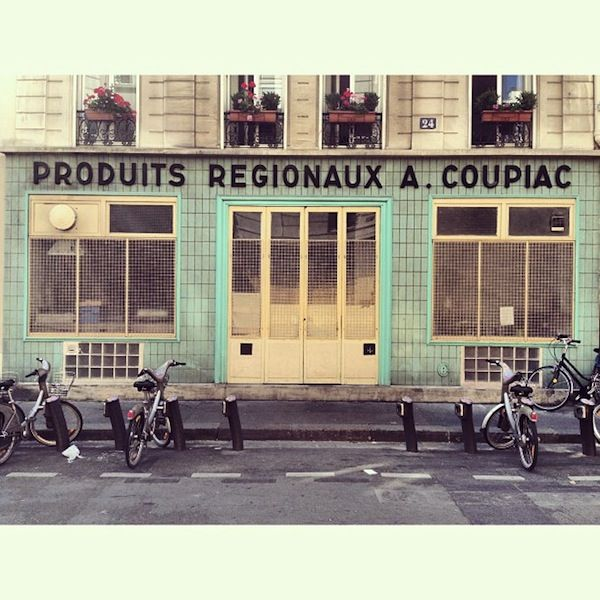 Lovely Pictures Of Paris' Charming Storefronts & Vintage Typographic Signage - DesignTAXI.com