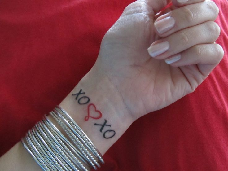 Tattoo Xoxo My Grandma Always Signed Her Letters With Xo This Is A Kiss And Hug Tattoos Tattoos And Piercings Piercing Tattoo