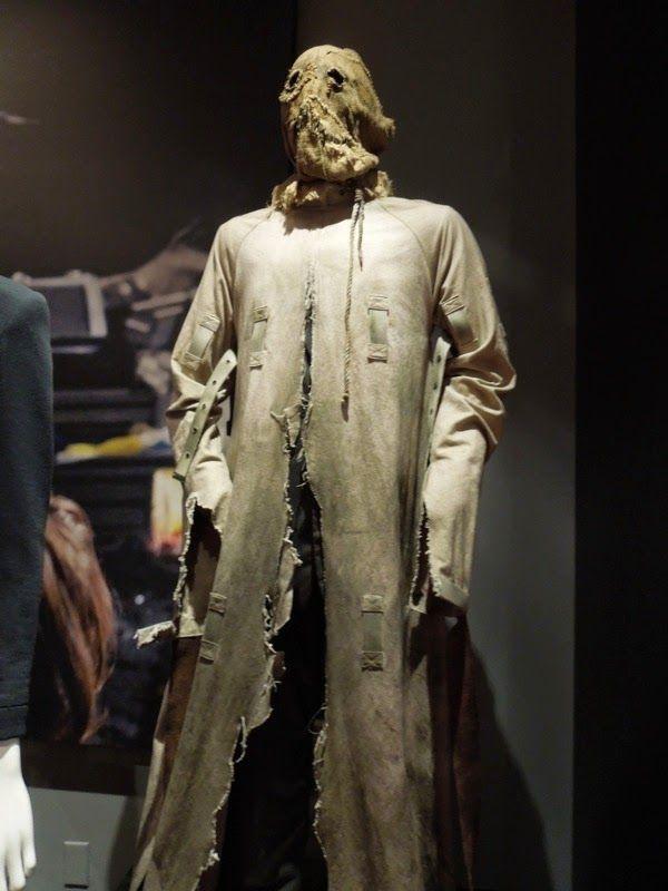 Cillian Murphy Batman Begins Scarecrow costume | Movie ...