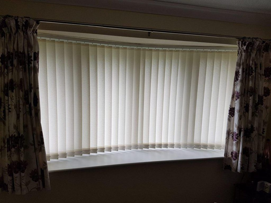 Best Vertical Blinds In Abu Dhabi U0026 Dubai For Office Window