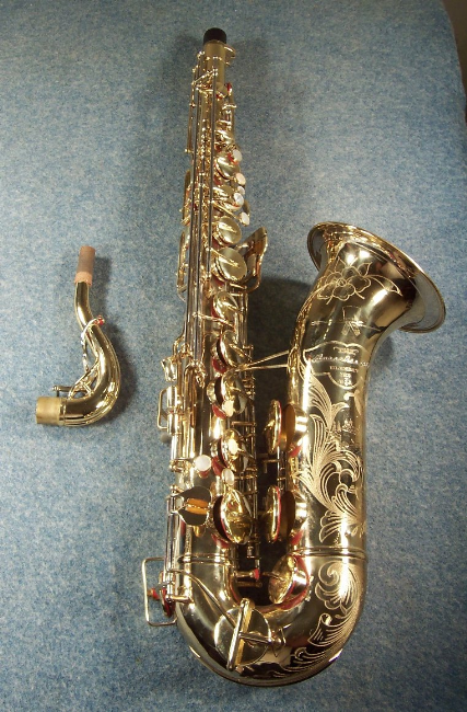 Retro sax guy