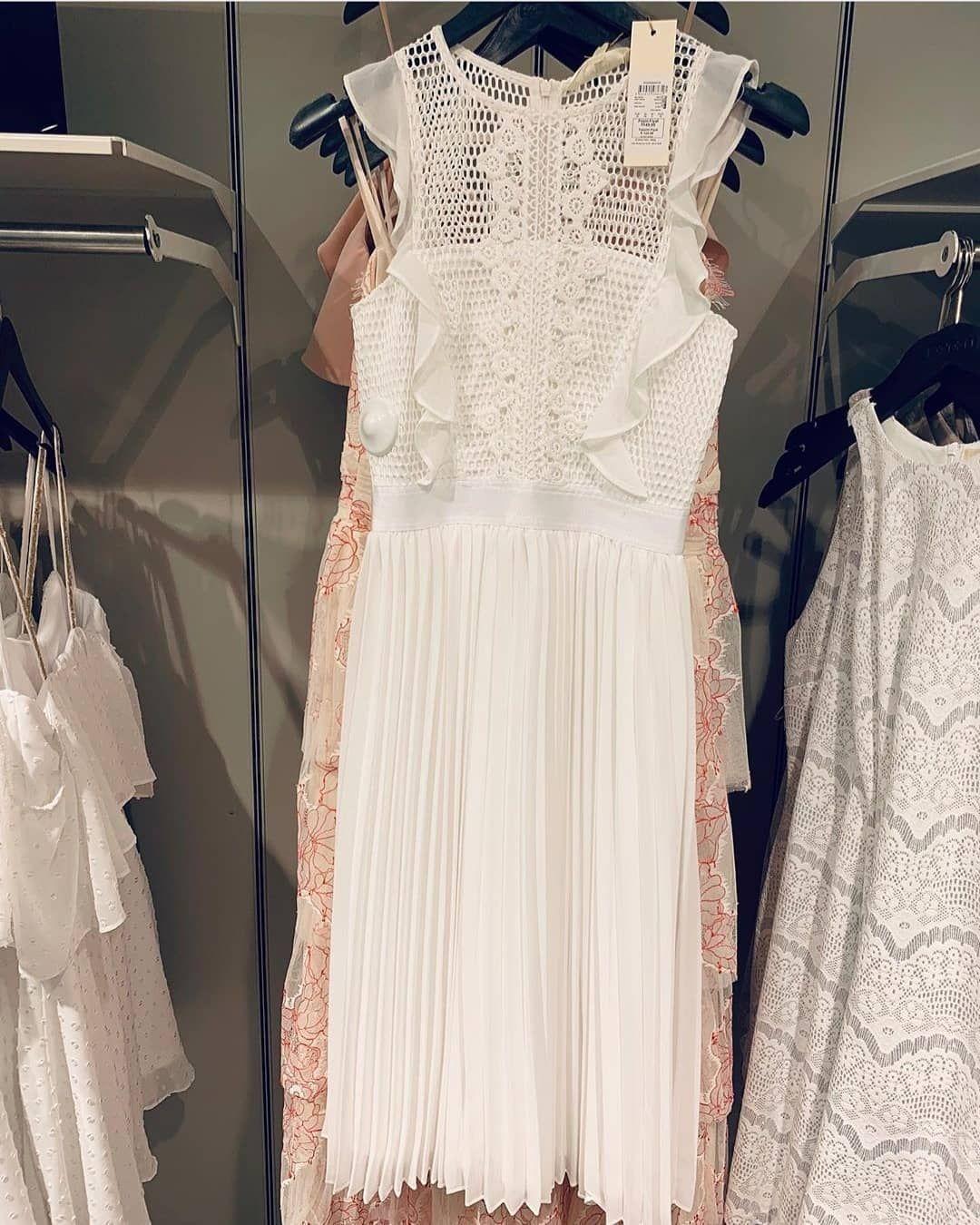 Koton Beyaz Elbise Ile Herkese Iyi Geceler Wedding Dresses Lace Wedding Dresses Dresses